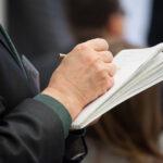 Op diverse locaties in Nederland doen criminelen zich voor als GGD-medewerkers