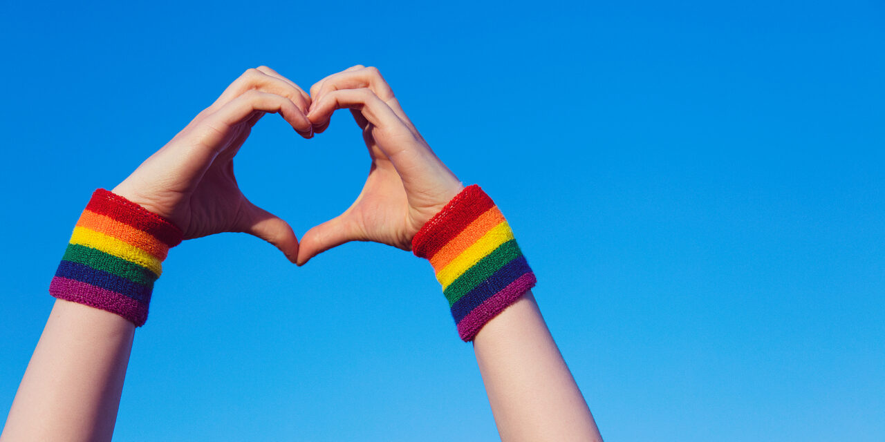 We hijsen de regenboogvlag: 11 oktober is Coming Out Day