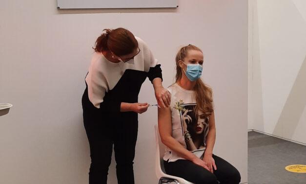 GGD Zaanstreek-Waterland vaccineert eerste zorgmedewerkers