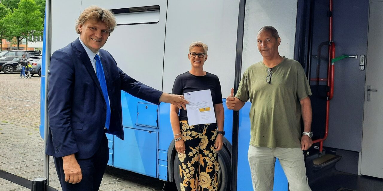 Prikbus in Zaandam gestart